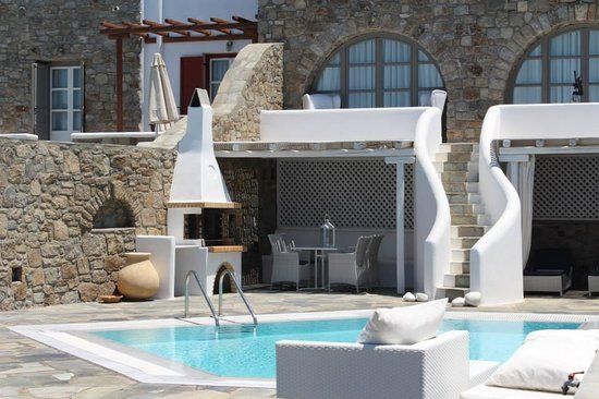 Mykonos Grand Hotel & Resort : Room with private pool