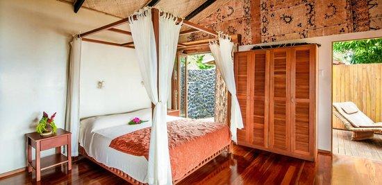 Maravu Taveuni Lodge: Natural Wooden Designs