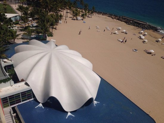 La Concha Renaissance San Juan Resort: Ocean view from our balcony