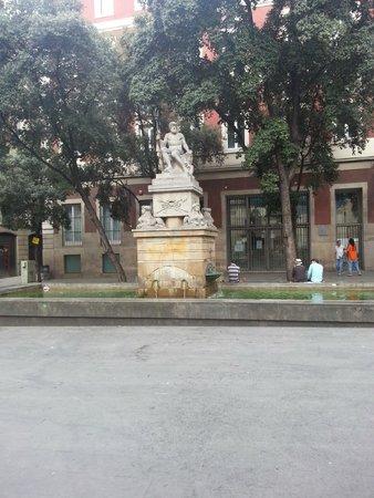 Barrio Gótico: Памятник в готическом квартале