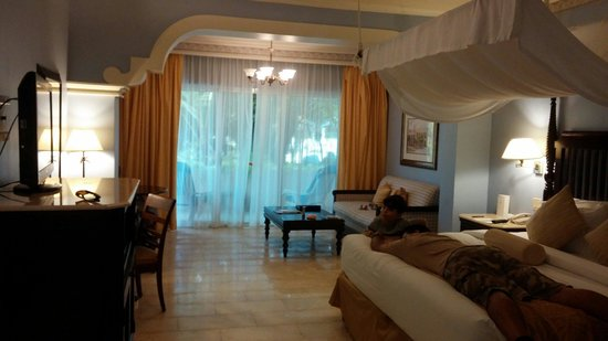 Melia Coco Beach : Our Red Level overlooking gardens room.