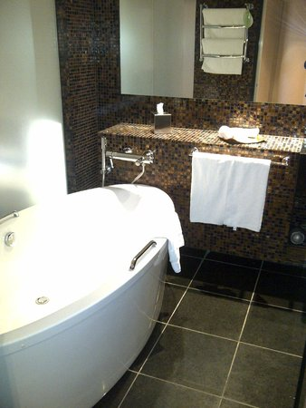 Swissotel Tallinn: Bath