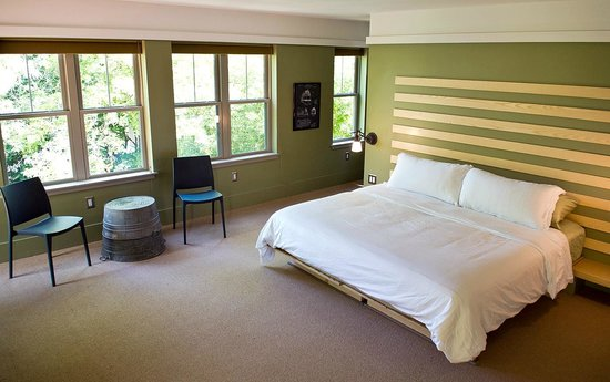 Inn on Columbia: bedroom