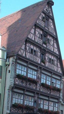 Deutsches Haus: 美しい外観