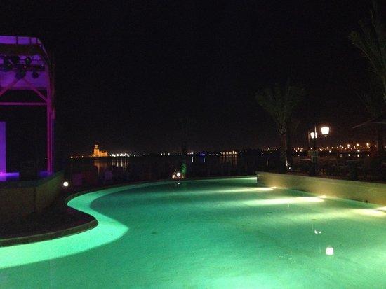 Rixos Bab Al Bahr : бассейн