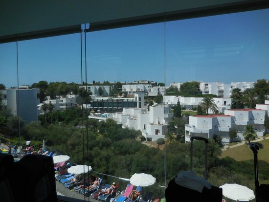 Ferrera Beach Apartments: view from reception