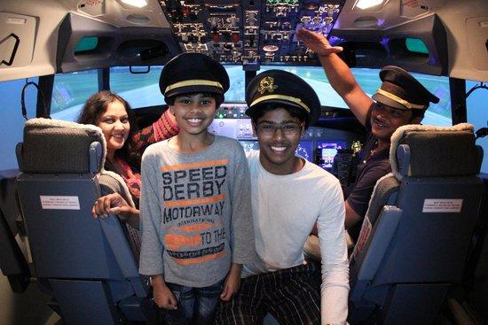 Flight Experience Flight Simulator: Air flight Experience Singapore - 2014