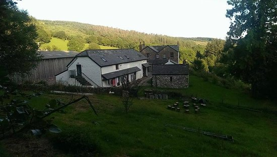 Coed Owen Bunkhouse: A view of the Bunkhouse and beyond