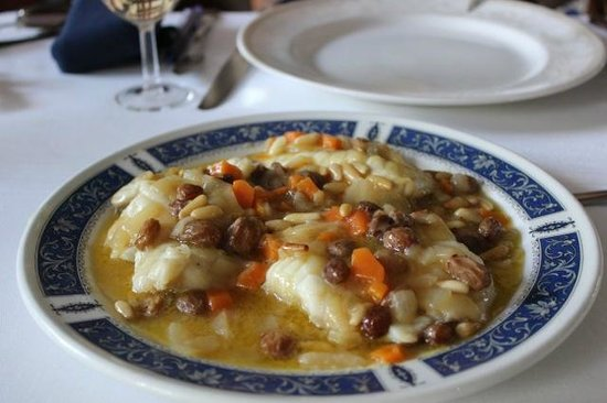 El Caballo Rojo : 白身のお魚と豆の煮込み料理