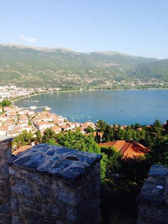 Tsar Samuel's Fortress : Вид на озеро Охрид с Самуиловой крепости