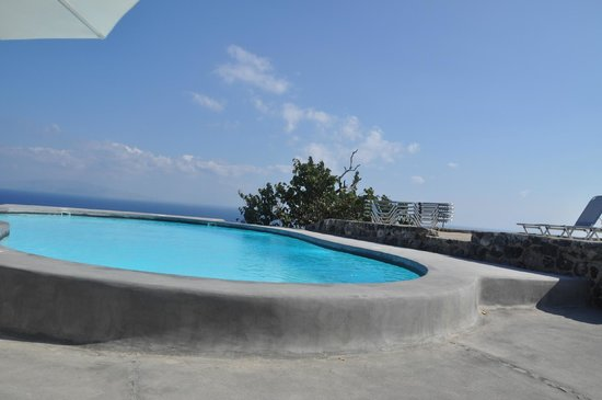 Ambelia Traditional Villas: La piscine !