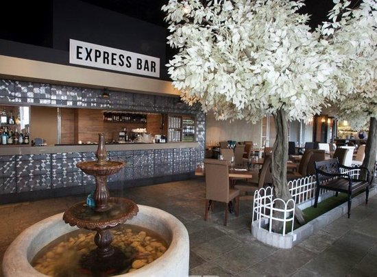 Segev Express : Bar du restaurant
