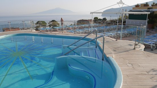 Grand Hotel De La Ville Sorrento: rooftop pool area