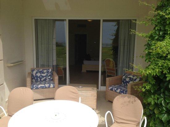 Grecotel Olympia Oasis: Вход в номер с террасы
