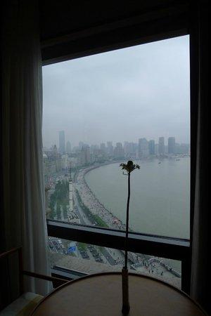 Les Suites Orient, Bund Shanghai: 房內看出去的黃浦江景