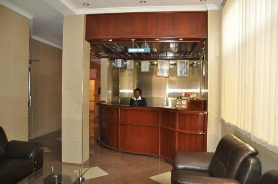 Rich Hotel: Reception