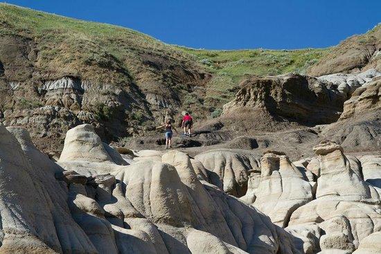 Hoodoos : Kids enjoying  the climbing