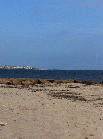 Inn on the Sound: Private beach - quiet and lovely