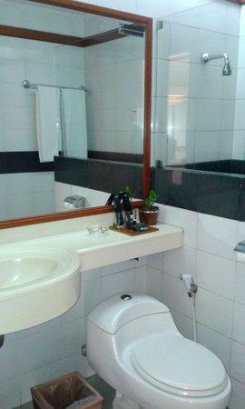 SanGria Resort & Spa: bathroom