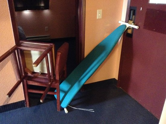 Sutton Suites And Extended Stays: we had to lock the door like this