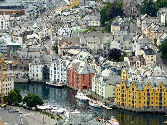 Hotel Brosundet: Le chenal de l'anguille vu depuis Fjellstua