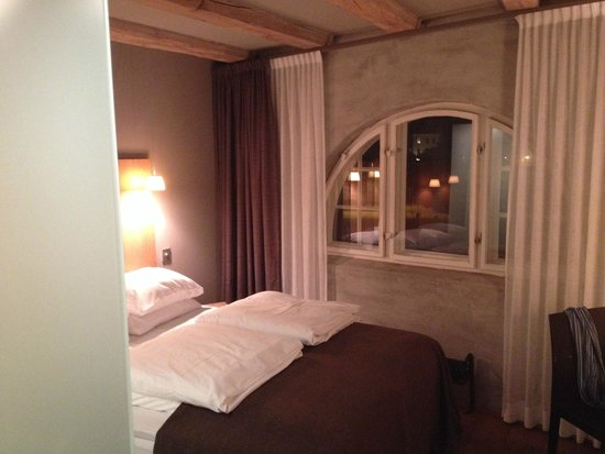 Hotel Brosundet: chambre