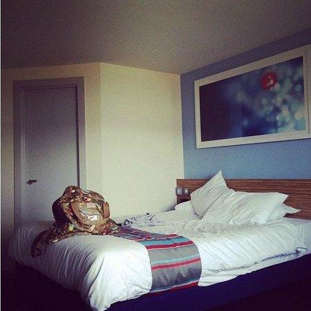 Travelodge Merthyr Tydfil: Room 201