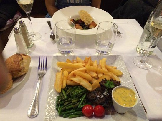 La Coupole : Scallops and Chateaubriand