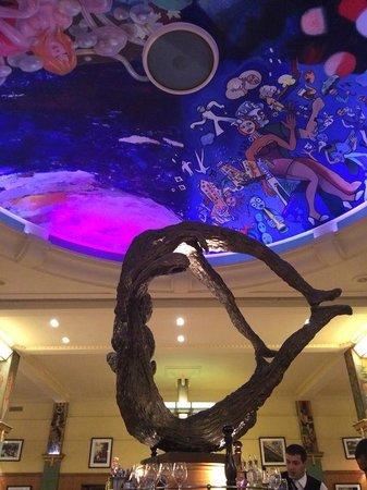 La Coupole : Just a glimpse at the beautiful decor