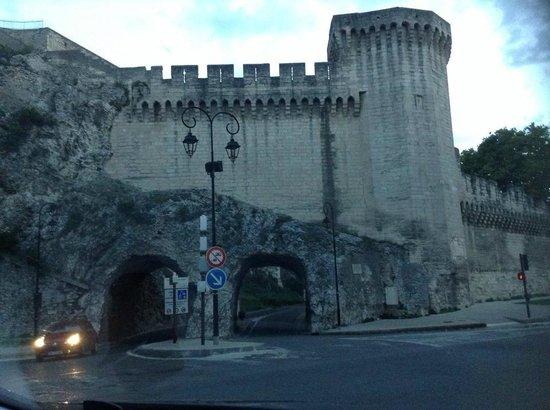 Kyriad Avignon - Palais Des Papes : Entrada para Kyriad em Avignon