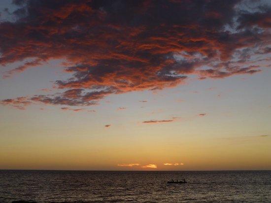 Les Dunes d'Ifaty: ETTER SOLNEDGANG