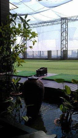 Baiyoke Sky Hotel: terrasse et practice de golf