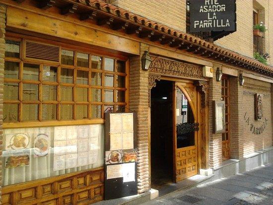 Restaurante Asador La Parrilla : fachada