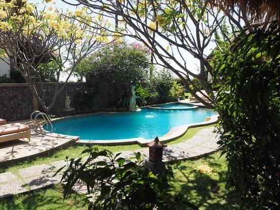 Life in Amed Boutique Hotel: la piscine vue du bungalow 3 (avec mezzanine)