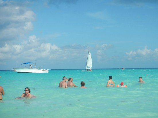 ClubHotel Riu Tequila: linda playa del RIU yucatan (acceso permitido para huespedes de RIU tequila)