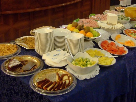 Mokinba Hotel King: 朝食