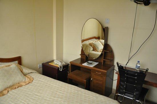 Rich Hotel : Single
