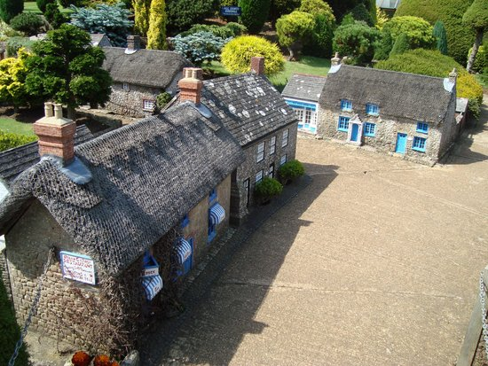 Godshill Model Village: :)