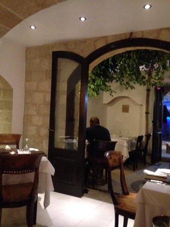 Ambrosia Restaurant: nice little courtyard