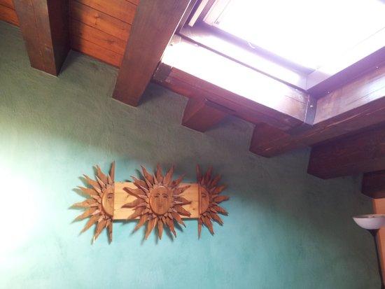 Antica Stazione di Ficuzza : Mirar al techo y ver el cielo y los pajaros