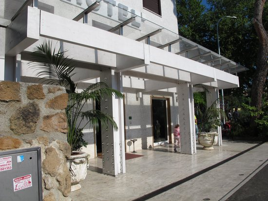 Hotel La Pergola: Ingresso