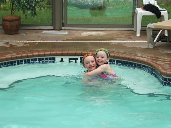 Christmas Farm Inn & Spa : indoor pool