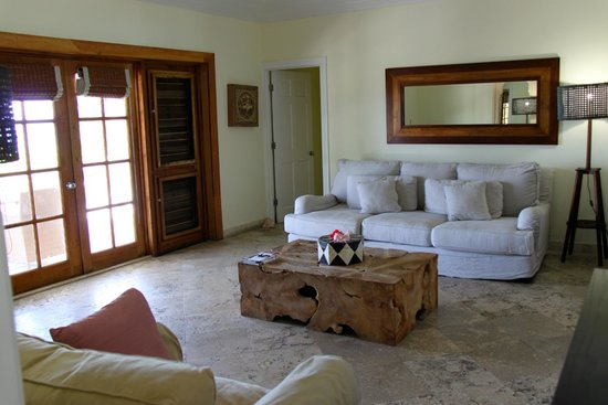 Pink Sands Resort: The sitting  Room