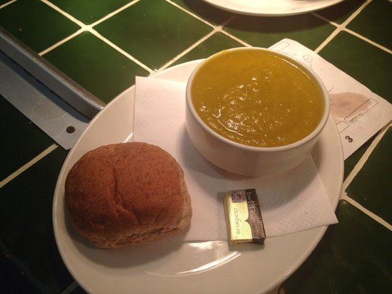 Quilligan's Cafe Bar: Home made veg soup