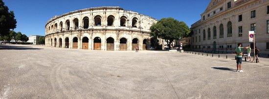 Arènes de Nîmes : Arène