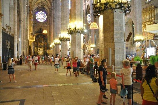 City Sightseeing Palma de Mallorca : Cathedral La Seu - 4