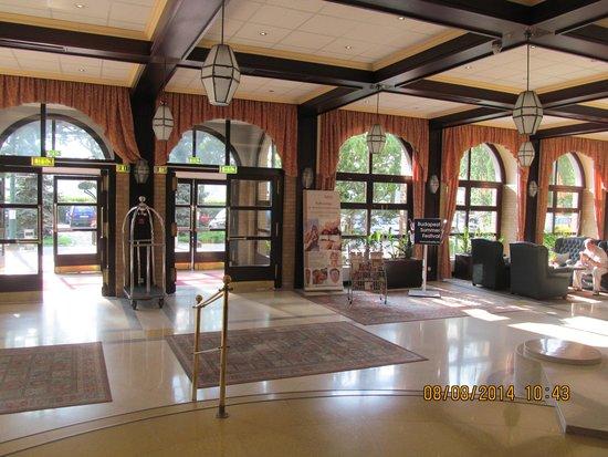Danubius Grand Hotel Margitsziget: Ресепшен
