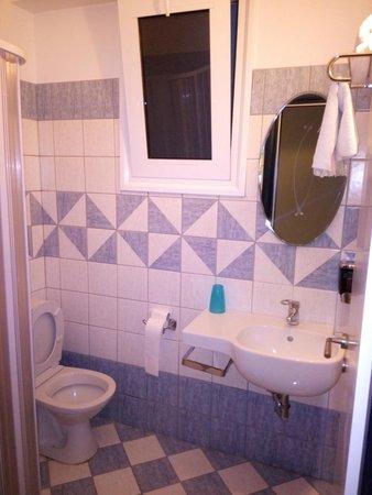 Kozas Studios: Bathroom