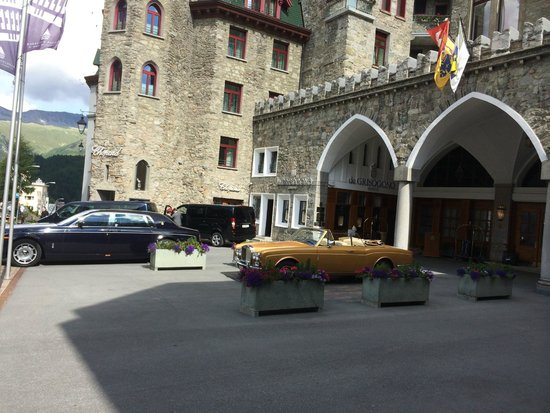Badrutt's Palace Hotel: Front of hotel