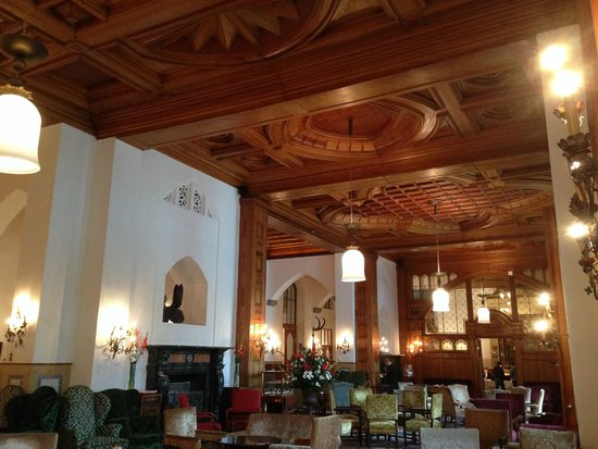 Badrutt's Palace Hotel: Common area on the main floor of the hotel